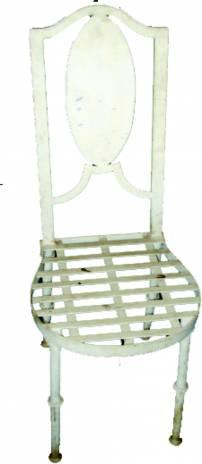 Cadeira medalhão de ferro